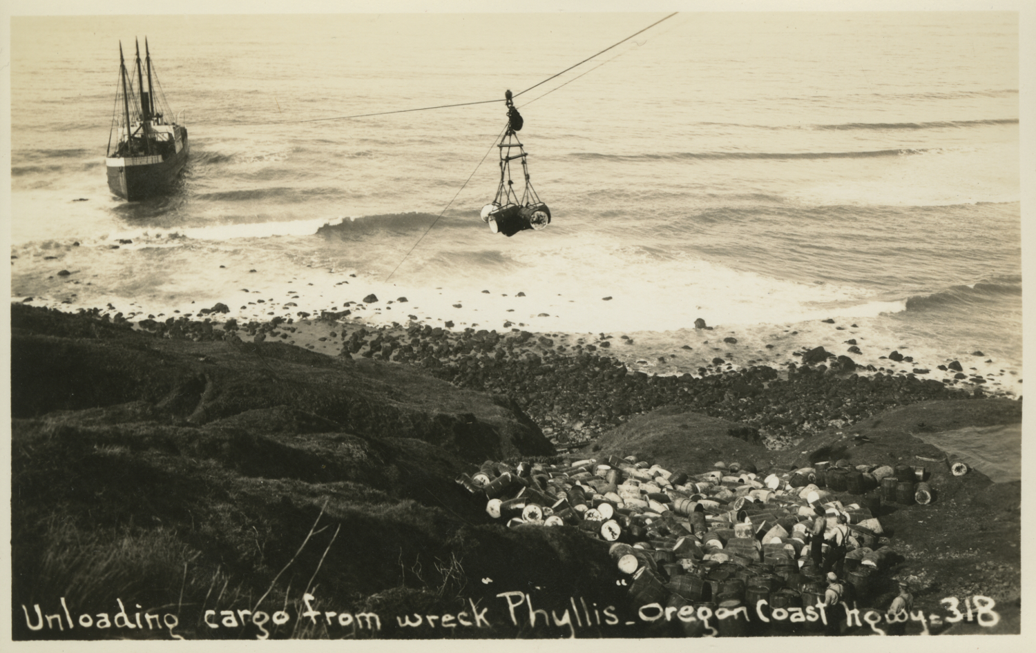 Unloading cargo from wreck Phyllis - Oregon Coast Highway