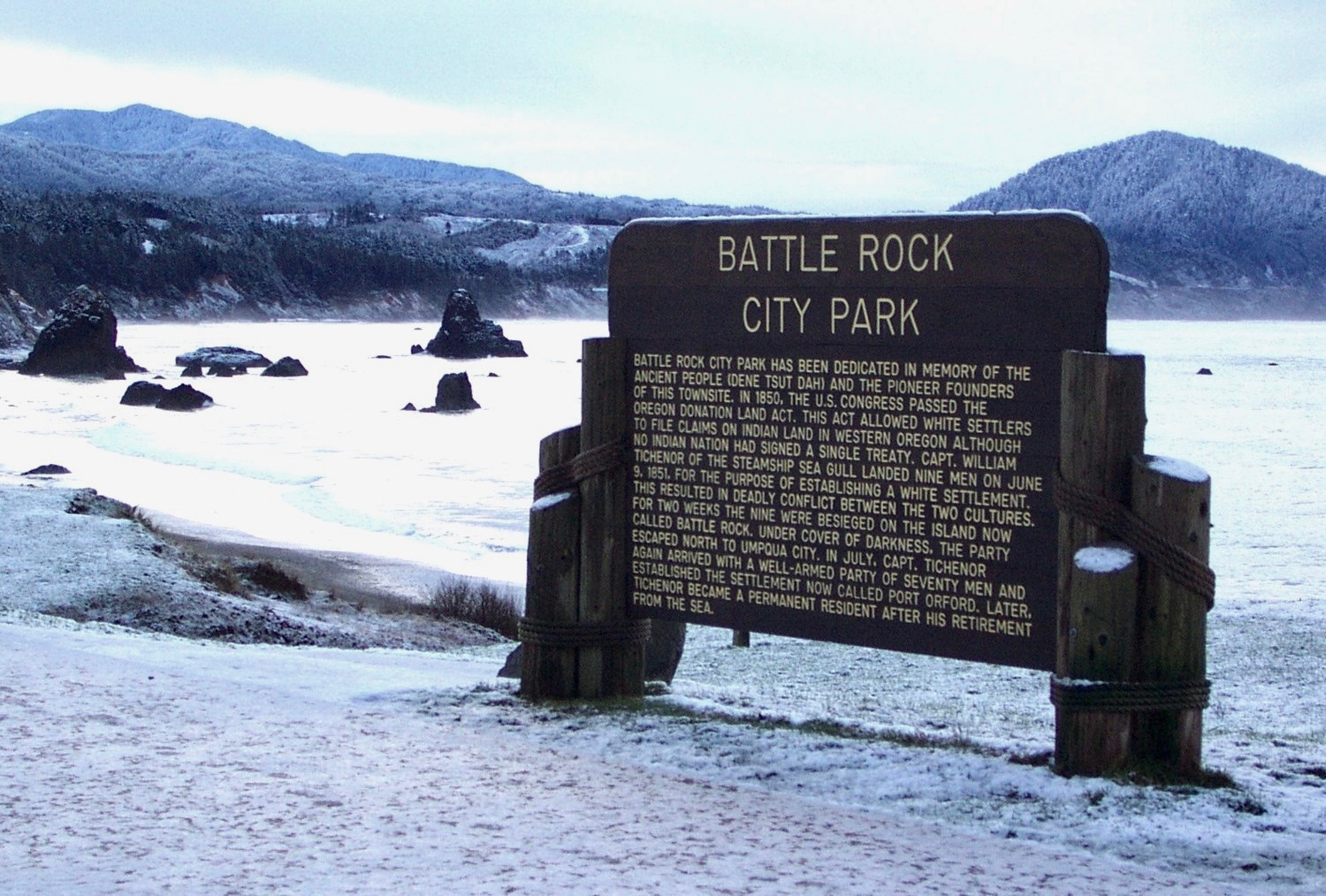 The Battle Rock City Park sign,