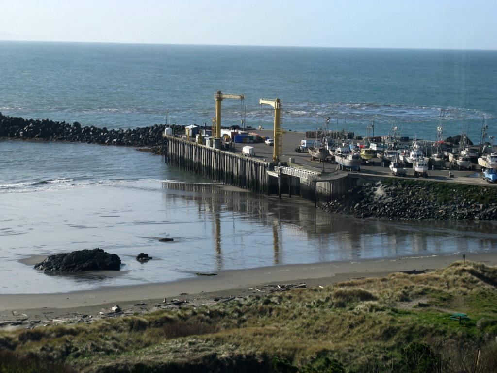 Tsunami wave train hits Port Orford 2011-0311 @ 10:58 am