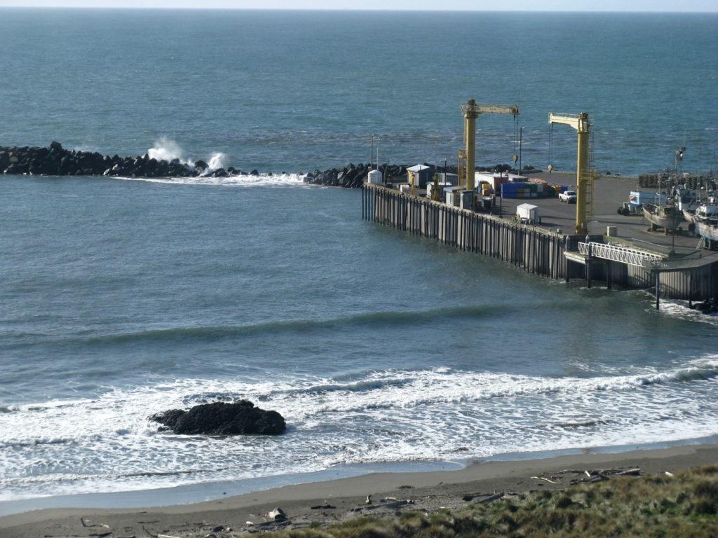 Tsunami wave train hits Port Orford 2011-0311 @ 11:06 am