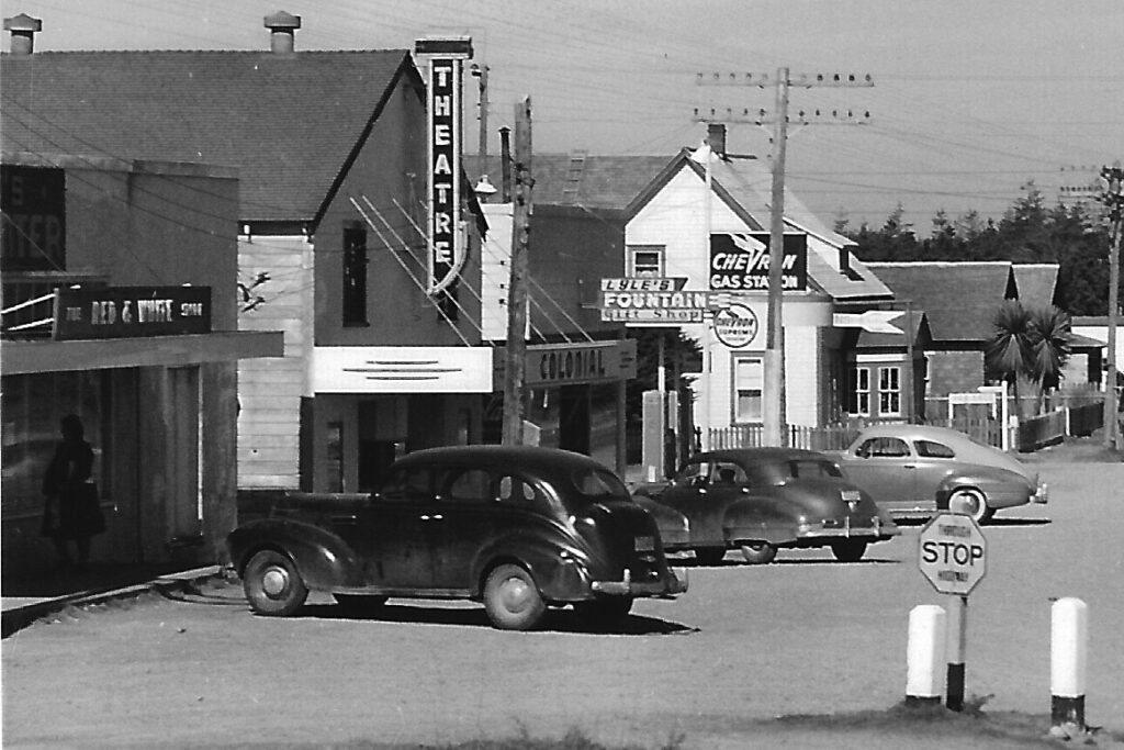 Port Orford (South End) Hwy 101 and 8th St c1940